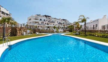 2-POOL-SUNSET-GOLF-DISCOUNT-PROPERTY-CENTER-MARBELLA-1024x683.jpg